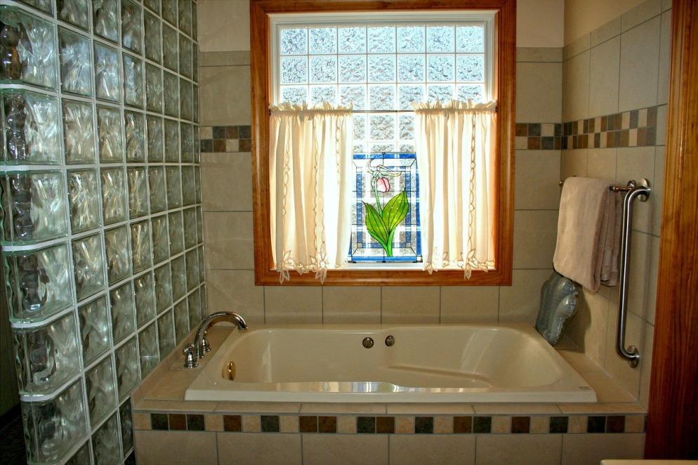 bathtub-54587_1280